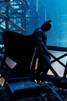Batman (Christian Bale) in The Dark Knight The Dark Knight Trilogy, The Dark Knight Rises, Batman The Dark Knight, Dark Knight Wallpaper, Batman Wallpaper, Batman Begins, Christopher Nolan, Im Batman, Spiderman