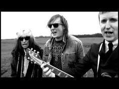 The Kik met Armand & Lucky Fonz III - Want Er Is Niemand. Video van Teddy Cherim. Van het album Springlevend, beschikbaar op iTunes: https://itunes.apple.com...