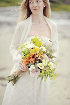 rustic bridal bouquet, image: erinwallis.com