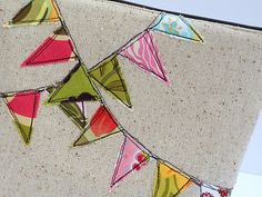 Just Another Hang Up: Bunting Cosmetic Bag Tutorial Freehand Machine Embroidery, Free Motion Embroidery, Embroidery Applique, Bunting Tutorial, Applique Tutorial, Sewing Hacks, Sewing Tutorials, Sewing Crafts, Makeup Bag Tutorials