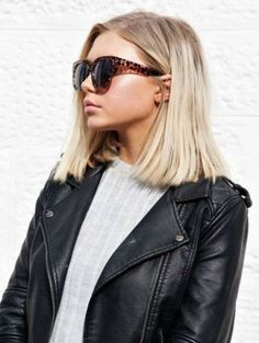 If you want a medium hairstyle that shows serious versatility, a long bob hairstyle is a right choice. No matter what hair type you have, what your face shape and what color you like, a long bob ha… Pretty Hairstyles, Bob Hairstyles, Straight Hairstyles, Summer Hairstyles, Hairstyle Ideas, Classic Hairstyles, Brunette Hairstyles, Popular Hairstyles, Long Bob Haircuts