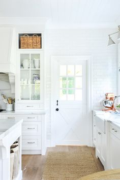 Tour Monika Hibb's Stunning Home Cabinets And Countertops, Built In Cabinets, Kitchen Cabinets, Kitchen Nook Table, Space Kitchen, Dining Room, Hardwood Floors In Kitchen, Building A New Home, New Kitchen