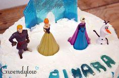 Tarta de Frozen - Rellena de nata y trufa con adornos de Isomalt