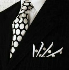Polka dots Somehow, printed tie and pocket square on the black pinstripe is both subtle and striking Custom Pocket Squares Sharp Dressed Man, Well Dressed Men, Tie And Pocket Square, Pocket Squares, La Mode Masculine, Suit And Tie, Gentleman Style, Stylish Men, Swagg
