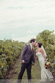 -- toronto photog Palatine Hills Winery Wedding