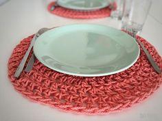 Crochet Kitchen, Crochet Home, Knit Crochet, Mantel Redondo A Crochet, Home Crafts, Diy Crafts, Crochet Placemats, Crochet Decoration, Crochet Projects