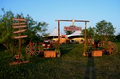 THEME - WESTERN THEME -  WESTERN PROPS - WESTERN  PROP RENTALS - WESTERN THEMES - PARTY COMPANY - TRADE SHOW DECORATING - FURNITURE - WESTERN STUFF - DALLAS - FORT WORTH - SAN ANTONIO - AUSTIN - HOUSTON - THE REAL DEAL