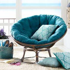 exotischer Sessel aus Rattan mit Kissen in Türkis