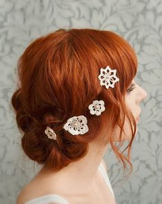 Lace hair accessories wedding bobby pins bridal by gardensofwhimsy, I could make that accessories inspiration Lace hair accessories, wedding bobby pins, bridal hair pins, crochet and pearls - attic treasures - bridal accesory Crochet Hair Accessories, Crochet Hair Styles, Wedding Hair Accessories, Crochet Flowers, Crochet Lace, Bobby Pins, Whimsical Hair, Crochet Wedding, Lace Hair