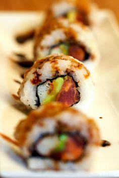 Bling-Bling Roll - Sushi Day - Sushiday.com  Crab, tuna, sriracha, eel sauce