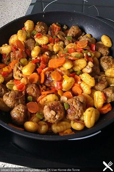 Gnocchi Sausage and Vegetable Dish  500g Bratwurst/Sausage 400g Gnocchi 500g Mixed Vegetables