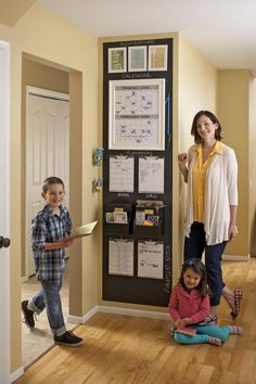 Family command center in a small space. I like the order of this one. Very doable!