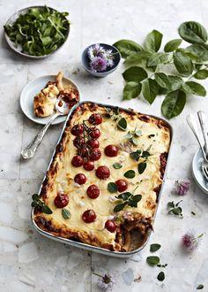 Mausteinen lihapullaspagetti   Liha, Pastat ja risotot   Soppa365 New Recipes, Favorite Recipes, Tasty, Yummy Food, Greens Recipe, Tapenade, Vegetable Pizza, Quiche, Feta