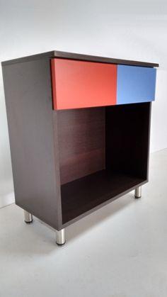 pequeño mueble con cajones de colores. facebook.com/mueblesamedidalaplata