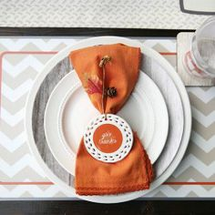 Thanksgiving tablescape on I Heart Nap Time