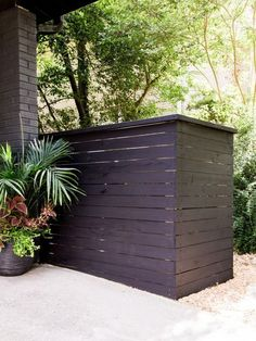 How to Build a Garbage Can Screen Hide your unsightly trash can with a stylish wood screen. Garbage Can Shed, Garbage Can Storage, Bin Storage, Storage Ideas, Recycling Storage, Backyard Storage, Trash Can Storage Outdoor, Outdoor Trash Cans, This Old House
