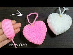 Pom Pom Crafts, Flower Crafts, Yarn Crafts, Valentines Bricolage, Valentine Day Crafts, Pom Pom Template, Diy Keyring, Yarn Flowers, Embroidery Boutique