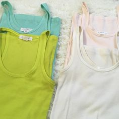 🌻2 for $12🌻 Tanktop  lot All 4 tanktops, small and medium Forever 21 Tops Tank Tops
