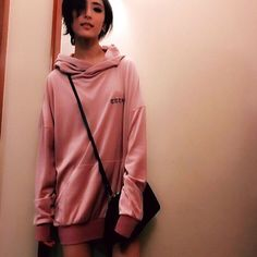 E-girls藤井萩花の私服姿がイケメンすぎる!「カッコイイとしか言いようがない」「絵になる」と反響 - モデルプレス
