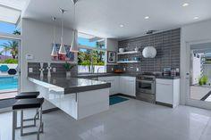 Private residence Laverne 2 in Palm Springs, California by H3K Design via @HomeDSGN