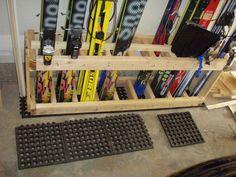 Skiständer Bike Storage, Shed Storage, Garage Storage, Outdoor Storage, Storage Ideas, Ski Rack, Ski Decor, Home Organization, Organizing