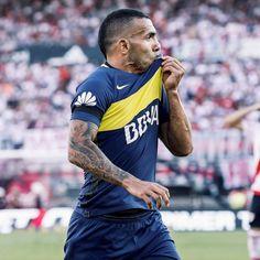 Carlos Tevez (River Plate 2 - 4 Boca Juniors 2017) Backrounds, Messi, Football, Wallpapers, Mens Tops, Frases, Football Pics, Yellow, Death