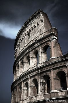 Rome, Italy | Can't visit Italy without seeing Rome! Can't visit Rome without seeing this monumental ancient structure!