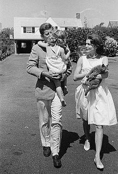 john f. kennedy + jacqueline kennedy #JFK #Kennedy #family #iconic