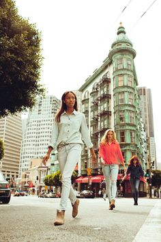This reminds me of traveling with my girls, walking the streets in confidence.    San Francisco, CA. Photo by Nicholas Maggio    #bullheadblack #pacsun