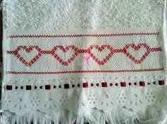 Graça Tricô e Crochê: Toalhinha de mão bordada em vagonite coração