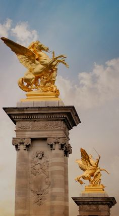 Pont Alexandre III, Paris, France I'd love to take my girls to see this. I know Abril would love it.
