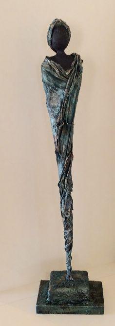 Paverpol zwart, gemengd met Paverplast en Paversand. Reliefdecoratie Sculpture Projects, Sculpture Clay, Afro Art, Giacometti, Fabric Art, Unique Art, Female Art, Textile Art, Les Oeuvres