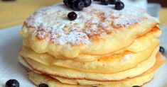Pancakes at yogurt in 30 minutes: the perfect breakfast. How To Cook Pancakes, Crepes And Waffles, Cookie Recipes, Dessert Recipes, Breakfast Recipes, Delicious Desserts, Yummy Food, Cooking Bread, Hungarian Recipes
