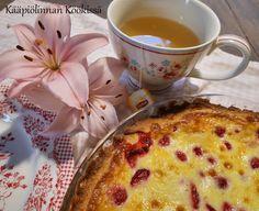 Kääpiölinnan köökissä: Pehmeä mansikka-vadelmapiirakka ♥