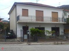 Foto 1 di 2 - Villetta a schiera in vendita a Fontana Liri, vilae 29 maggio 34 - 34128002 - Casa.it
