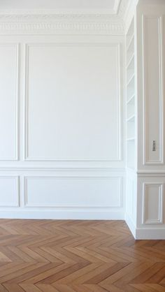 Interior Details. Herringbone floors & White Walls with | http://my-wonderful-home-decor-inspirations.blogspot.com