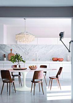 Une cuisine blanche design sophistiquée