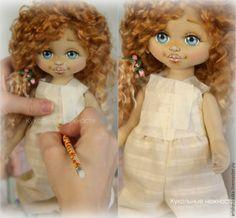 Я очень рада, что моё творчество вдохновляет и многие тоже решили попробовать шить кукол. Поэтому предлагаю урок для начинающих по снятию выкройки лифа для куклы. Выкройка лифа представляет основу для большинства кукольных платьев, если говорить о съёмной одежде. Этот способ широко используется, но несмотря на это, всегда есть те, кто первый раз берется за шитье кукольной одежды и им обязательно пригодится мой мастер-класс.