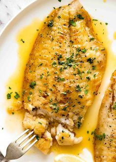 Overhead photo of a crispy pan fried fish fillet drizzled with Lemon Butter Sauce and sprinkled with parsley. On a white plate. Overhead photo of a crispy pan fried fish fillet drizzled with Lemon Butter Sauce and sprinkled with parsley. On a white plate. Sauce Recipes, Cooking Recipes, Healthy Recipes, Cooking Fish, Seafood Butter Sauce Recipe, Healthy Food, Cooking Kale, Healthy Meals, Cooking Pork