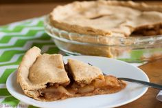 Mom's Gluten-Free Apple Pie - learn the trick to rolling out and transferring gluten free pie dough. Gluten Free Apple Pie, Gluten Free Desserts, Dessert Recipes, Fruit Cobbler, Allergy Free Recipes, Apple Pie Recipes, Paleo Treats, Easy Meal Prep, Baking Tips
