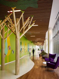 Children's Memorial Hospital, Ann & Robert H. Lurie Children's Hospital of Chicago. Photography by Nick Merrick. Clinic Design, Healthcare Design, Clinic Interior Design, Hospital Architecture, Interior Architecture, Children's Clinic, Kindergarten Design, Kindergarten Interior, Kid Spaces