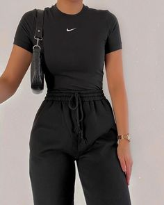 outfit goals for school - outfit goals for school . outfit goals for school casual . outfit goals for school winter Teen Fashion Outfits, Sporty Outfits, Retro Outfits, Look Fashion, Stylish Outfits, Girl Outfits, Latest Fashion, Fashion Trends, Fitness Outfits