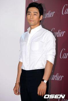 Ji Jin-hee (지진희) - Picture @ HanCinema :: The Korean Movie and Drama Database Male Style, Asian Celebrities, Korean Actors, Jun, Movie, Gallery, Pictures, Fashion, Photos