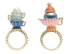 These tea party inspired rings are rad and totally remind me of my favorite Disney movie, Alice in Wonderland!