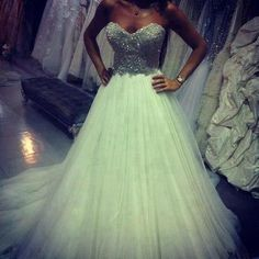 Gorgeous wedding dress <3 Visit YouQueen.com and read all about celebrity wedding dresses and find inspiration for your own