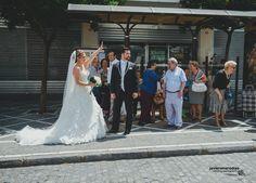 Que no llegamos al convite .... ¡¡¡ Chofer aquíiiiii !!! Como se divierten nuestros novios en su día. Dentro de muy poquito la boda al completo de Nieves & Salvi www.javieromerodiaz.com - Wedding Photography