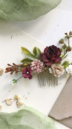 Wedding Hair Flowers, Bridal Flowers, Diy Flowers, Flowers In Hair, Flower Headpiece Wedding, Flower Hair Clips, Hair Wedding, Bridal Hair, Diy Flower Crown
