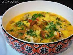 Ingrediente: – 500 g ciuperci proaspete sau din conserva – 250 g afumatura (costita, kaiser, piept de porc) – 1 ceapa – 1 morcov – 1 ardei gras rosu – sare si piper dupa gust – cimbru uscat – 50 ml ulei – 300 ml smantana – 4 galbenusuri – … Cheeseburger Chowder, Thai Red Curry, Ethnic Recipes, Pork