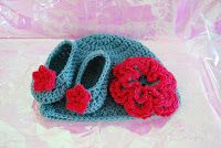 easy to crochet Baby hat and Matching bootie set! Free Crochet Patterns
