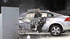 Depuis 1959, l'IIHS (Insurance Institute for Highway Safety) informe la population sur le rendement sécuritaire des automobiles offertes sur le marché.